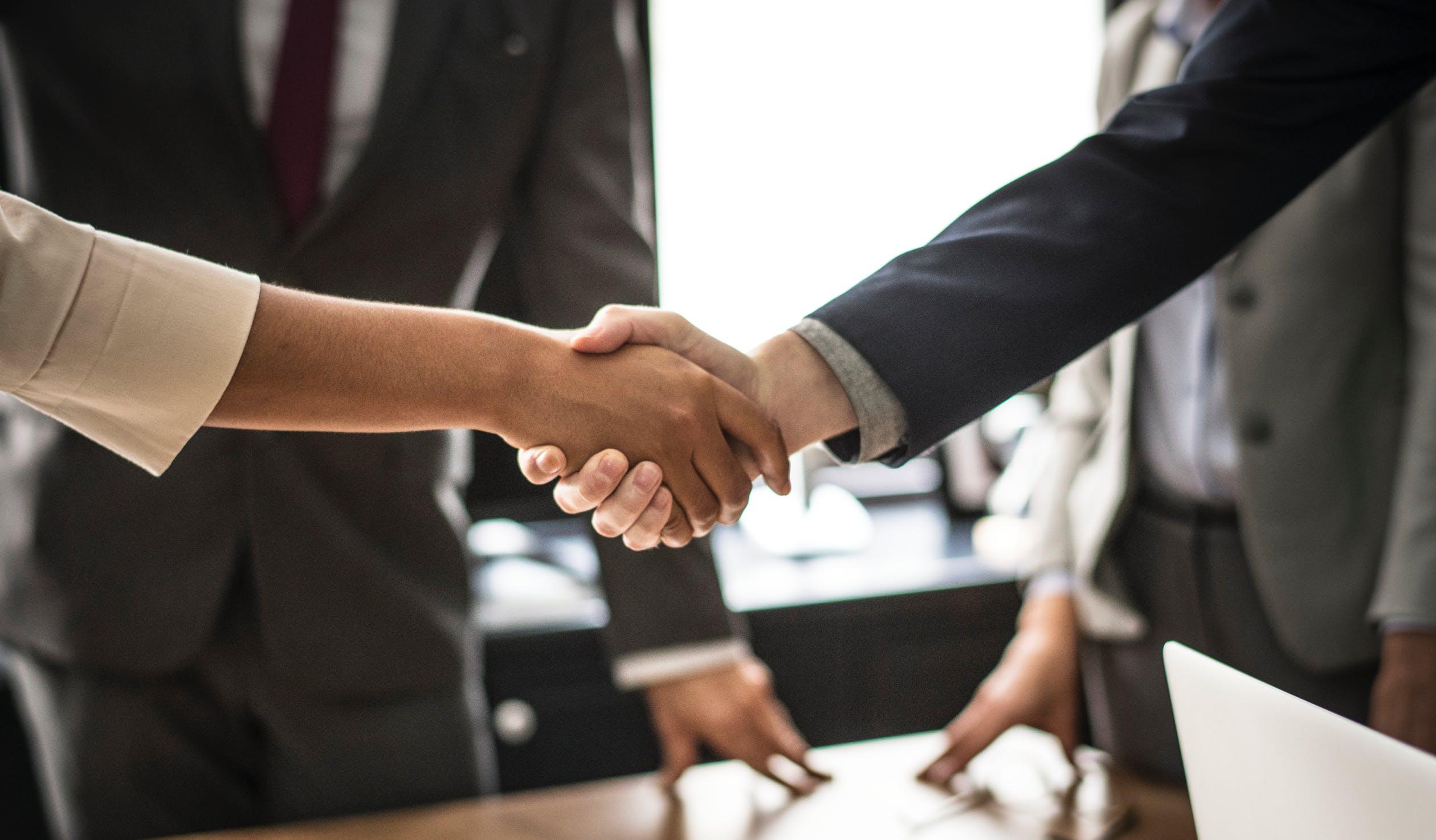 Prosta spółka akcyjna – kto może ją założyć?