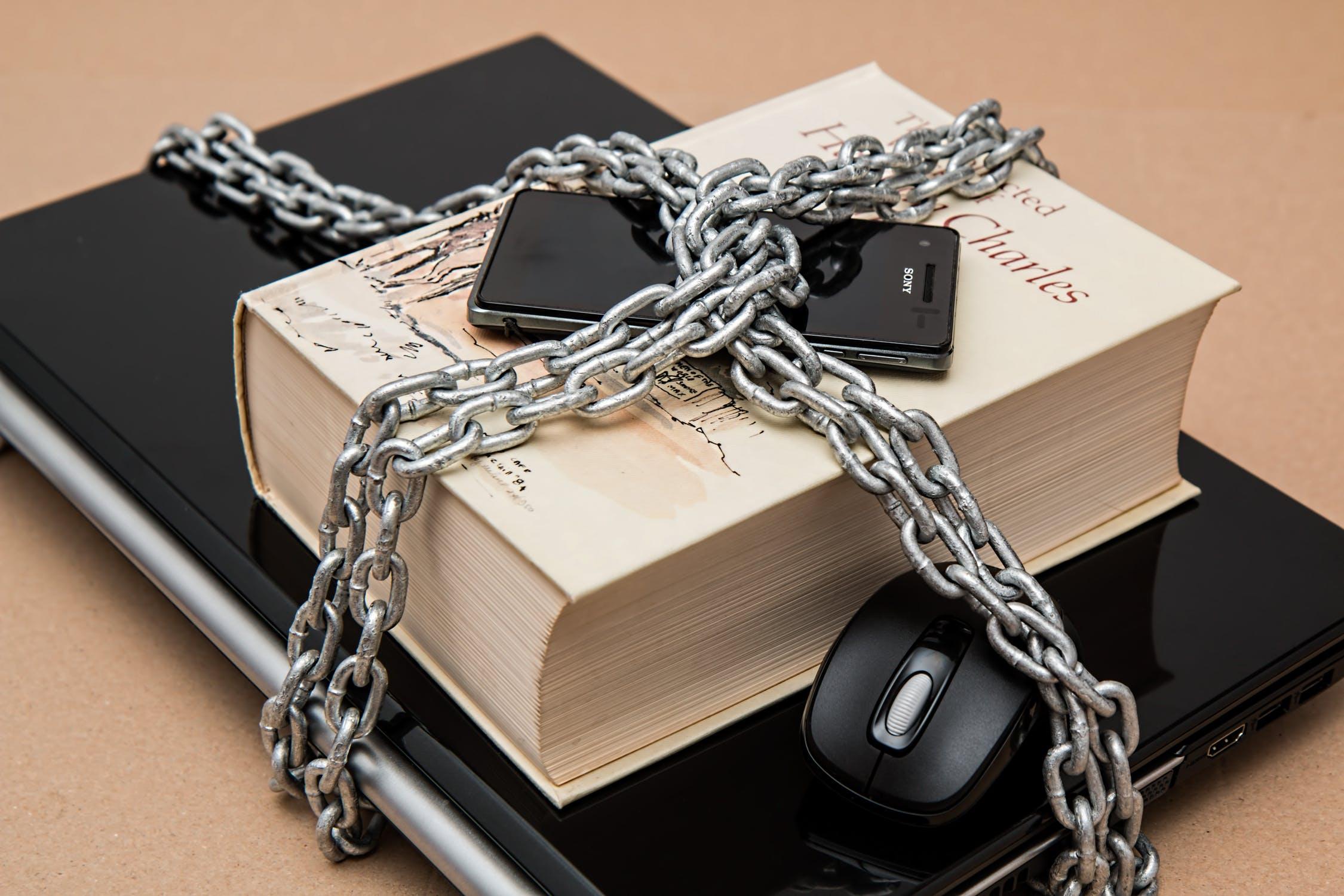 Jak zabezpieczać dane (prywatne, firmowe) w internecie?